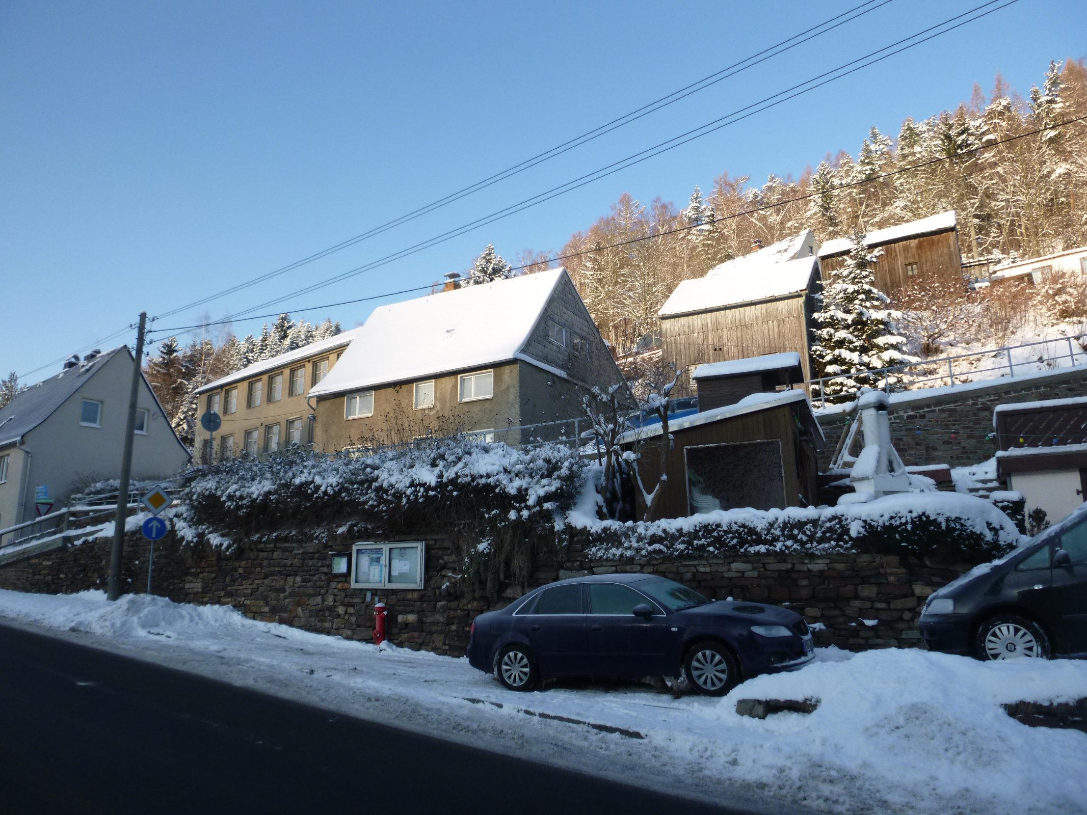 Alte Handschuhfabrik mit Wohngebäude und Scheune